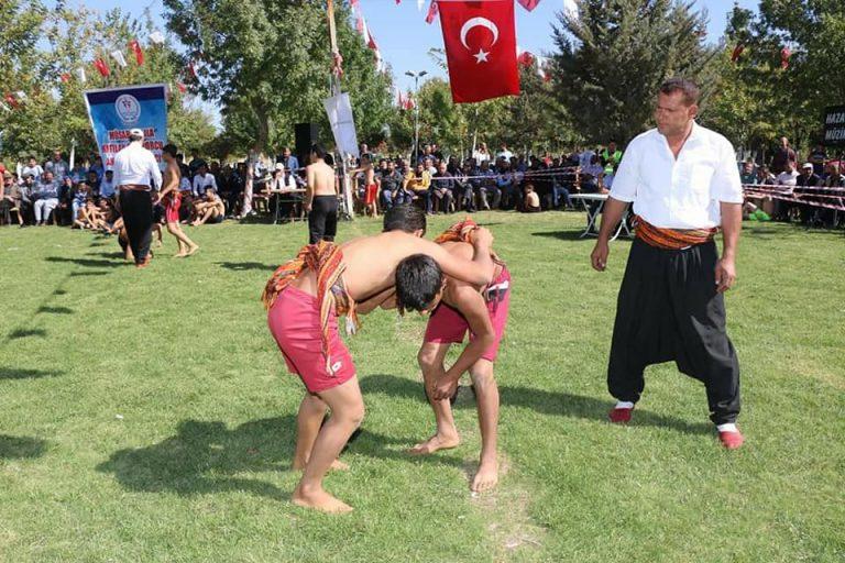 Aşırtmalı Aba Güreşi Türkiye Şampionası Pazarcık'ta yapıldı