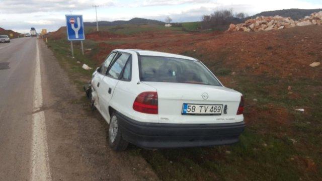 Kahramanmaraş'ta Otomobiller Kafa Kafaya Çarpıştı: 3 Yaralı