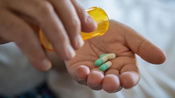 Bilinçsiz Antibiyotik Kullanımı Sağlığa Da Ekonomiye De Zarar Veriyor