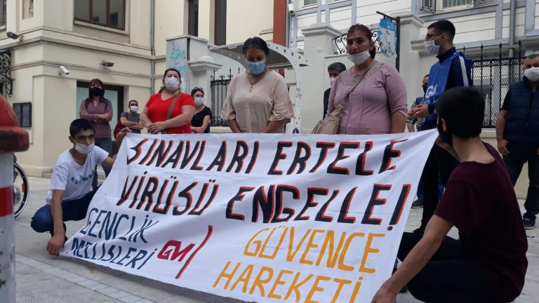 """Gençlik Meclisleri ve Öğrenci aileleri: """"Sınavı Ertele, Yaşama Ses Ver!"""""""