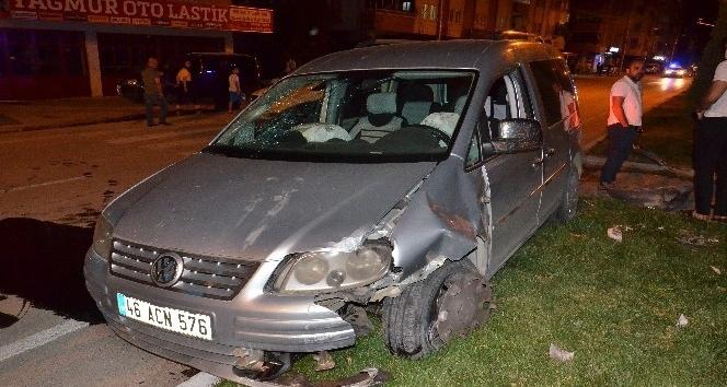 Hafif ticari aracın çarptığı yaşlı adam hayatını kaybetti