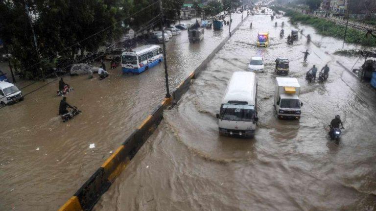 Pakistan'da sel felaketleri: 48 ölü