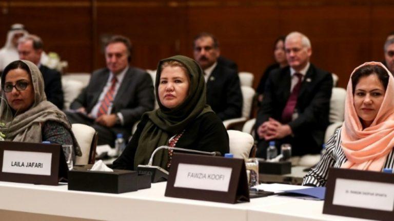Talibanlarla müzakereler: Kadınlar hakları için bastıracak