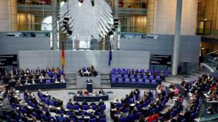 Almanya'da mevcut koalisyon yeniden iktidara gelebilir