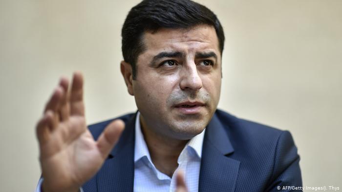 Demirtaş: Erdoğan'ın tek çıkış yolu erken seçim