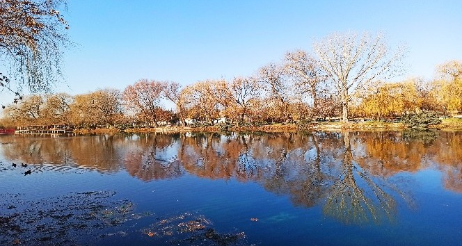 Ceyhan Nehri'nin kaynağı sonbaharda bir başka güzel