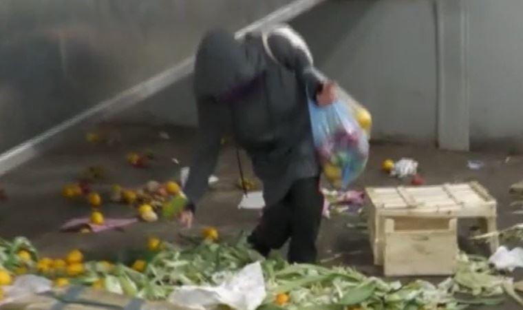 İşte Türkiye gerçeği: Semt pazarları toplanırken gelip yerden aldıkları ezik-çürük meyve ve sebze ile yaşayanlar