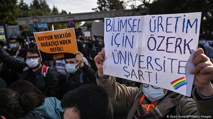 Yorum: Özerk üniversitenin sesi artık öğrenciler