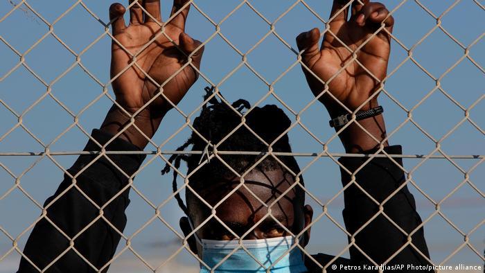 Kıbrıs'tan Türkiye'ye sığınmacı suçlaması