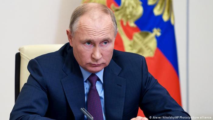 """Putin'den """"dış güçlere dikkat"""" uyarısı"""