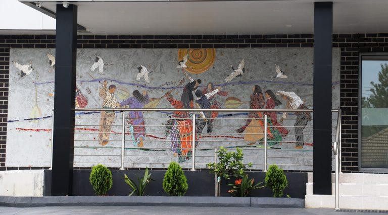 Sanatçılar Avustralya'daki Hallac-ı Mansur Cemevine mozaik inşa etti