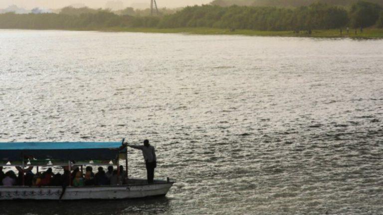 Mısır'da bir gölde gemi battı: En az 9 ölü