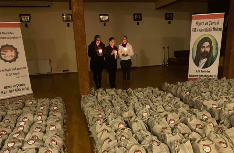 Almanya'da Hamm Cemevi 300 aileye Hızır lokması dağıttı
