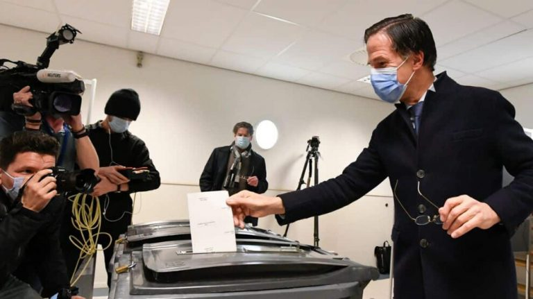 Hollanda seçimleri: Başbakan Rutte'nin liberal partisi kazandı