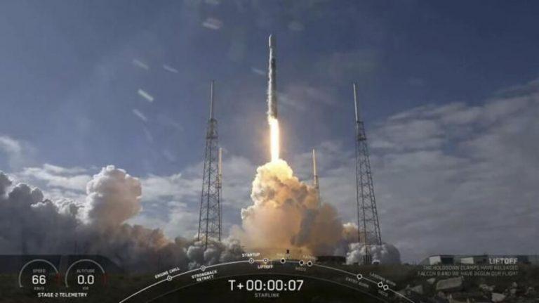 Dünya yörüngesine uydu gönderilmesine astronomlar tepkili