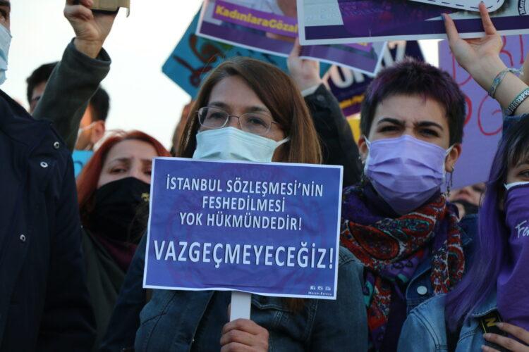 Mersin Kadın Platformu: İstanbul Sözleşmesi bizimdir, vazgeçmeyeceğiz!